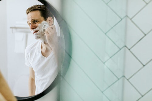 Men Look And Feel Your Best – Top 5 Skincare & Grooming Tips