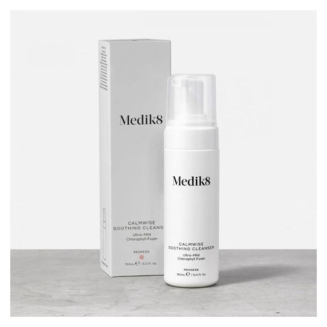 Medik8 Calmwise Soothing Cleanser with box